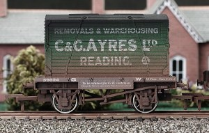 Dapol OO 4F-037-105 Conflat and Container C and G Ayres Weathered