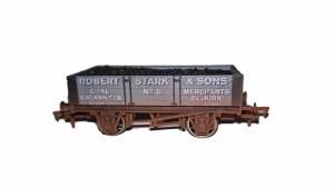 Dapol OO 4F-040-024 4 Plank Wagon Robert Stark 5 Weathered