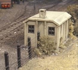 Ratio OO 518 Concrete Lineside Huts 2