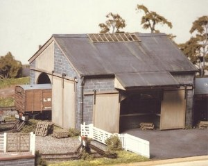 Ratio OO 534 Stone Goods Shed 155mmx170mm