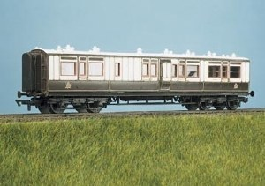 Parkside Models by Peco OO PC734 LMS ex LNWR Arc Roof Corridor Brake