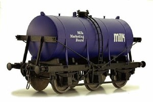 Dapol O 7F-031-003 6 Wheel Milk Tanker Milk Marketing Board