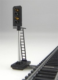 Train Tech OO DS5 4 Aspect Outer Distant Signal