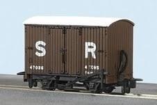 Peco OO9 GR-221C SR Livery Box Van No 47037
