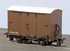 Peco OO9 GR-221U Box Van Brown with No Letterin