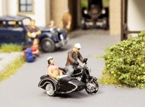 Noch OO 15912 BMW R60 Motorbike with Sidecar (HO Scale)