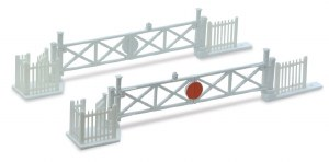 Peco N NB-50 Level Crossing Gates 4 with Wicket Gates and Fencing