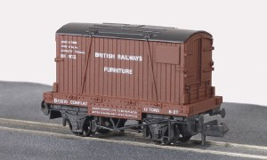 Peco N NR-22 Conflat Wagin with Container F