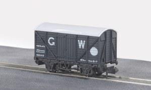 Peco N NR-43W 10ft Wheelbase Box Van, Standa