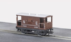 Peco N NR-49E 10ft Wheelbase Brake Van,  NE,