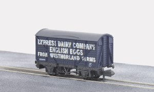 Peco N NR-P133 10ft Wheelbase Box Van, Expres