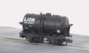 Peco N NR-P177 10ft Wheelbase Lion Emulsions