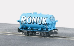 Peco N NR-P178 10ft Wheelbase Tanker Wagon, R