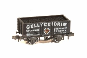 Peco N NR-P428 10ft Wheelbase Coal, 7 Plank 'Gellyceidrim Collieries Co Ltd' Swansea