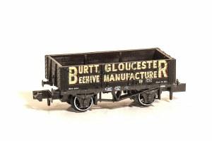 Peco N NR-P484 10ft Wheelbase Coal, 5 plank Burtt, Gloucester Beehive Manufacturer No. 6