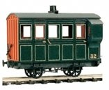 Peco O-16.5 OR-32 4 Wheel Coach/Brake green livery