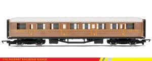 """Hornby RailRoad OO R4332 Gresley 61' 6"""" Composite Corridor LNER Teak"""