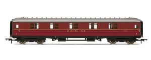 "Hornby OO R4570 Gresley 61' 6"" Sleeper First Corridor BR Maroon"