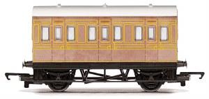 Hornby RailRoad OO R4674 Four Wheeled Coach LNER Teak