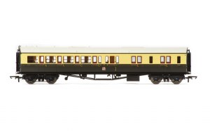 Hornby OO R4680A Collett 'Bow Ended' Brake Third Corridor Right Hand 4941 GWR Chocolate & Cream (Crest)