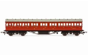 Hornby OO R4799 Stanier 57' Period III Composite Non-Corridor M16635M BR Crimson