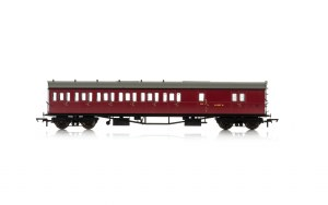 Hornby OO R4880A Collett 'Bow Ended' D98 Six Compartment Brake Third Left Hand W4949W BR Crimson