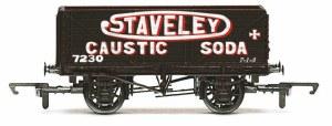 Hornby OO R6811 7 Plank Wagon 'Staveley'