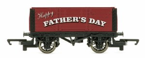 Hornby OO R6878 Father's Day Plank Wagon