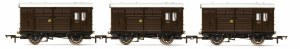 Hornby OO R6883 Horse Boxes three pack GWR