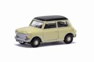 Hornby OO R7124 BMC Mini Saloon