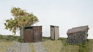 Wills Kits OO SS19 Grotty Huts and Privy