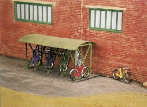 Wills Kits OO SS23 Bicycle Shed and Bicycles