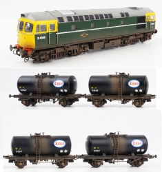 Class 33 BR Green with Full Yellow Ends D6580 and Four late 1960s ESSO 'B' Tank Wagons (Weathered)