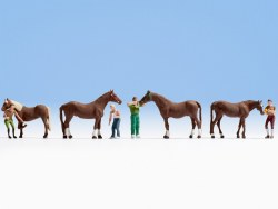 Horse Grooming (4) (HO Scale)