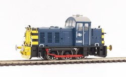 Class 07 Diesel Shunter (V1) 07010 in BR Blue with Wasp Stripes