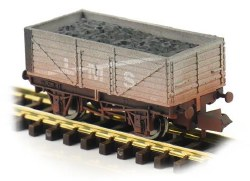 7 Plank Wagon LMS 302080 Weathered