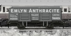 Emlyn Anthracite 20T Steel Mineral