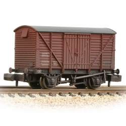 BR 12T Ventilated Van Planked Sides BR Bauxite (Late) - Weathered