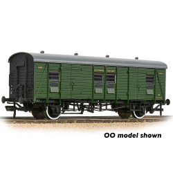 SR PLV Passenger Luggage Van SR Maunsell Green