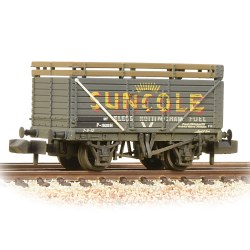 8 Plank Wagon with Coke Rails Suncole (P Number) Weathered
