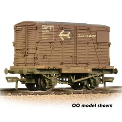Conflat Wagon BR Bauxite (Early) With 'Door-To-Door' BD Container - Weathered - Includes Wagon Load