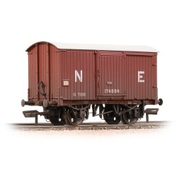 LNER 10T Fish Van LNER Bauxite - Weathered