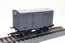 Ventilated Van BR Grey M183315