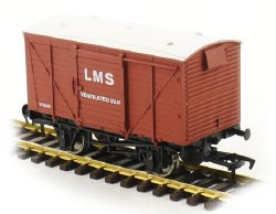 Ventilated Van LMS Bauxite 155016