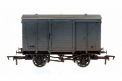 Ventilated Van BR Grey 183319 Weathered