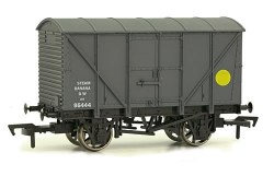 12T Non Ventilated Banana Van GWR Grey