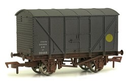 12T Non Ventilated Banana Van GWR Grey Weathered