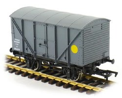 Banana Van GWR Grey 35639