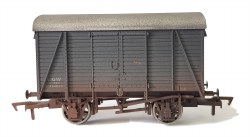 Box Van GWR 144840  Weathered