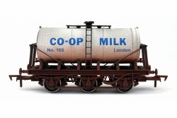 6 Wheel Milk Tank Co-op 165 Weathered